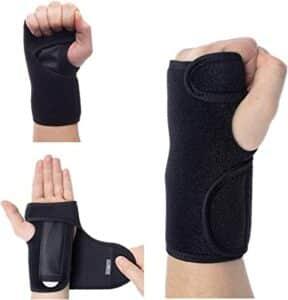 Relief carpal tunnel wrist brace