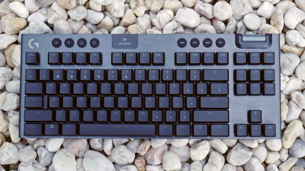 Logitech G915 TKL-best wireless gaming keyboard